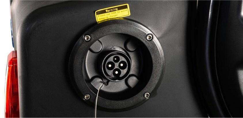 opladen elektrische mini auto